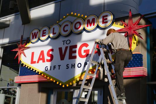 Siobhan_Lee_Vegas_Elope-1