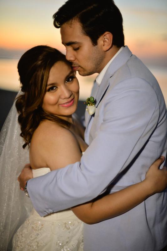 COUPLE HUG AND KISS