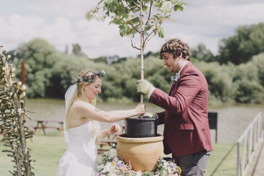 Flo + Ollie Tewkesbury Festival Wedding Scuffins Photography 043