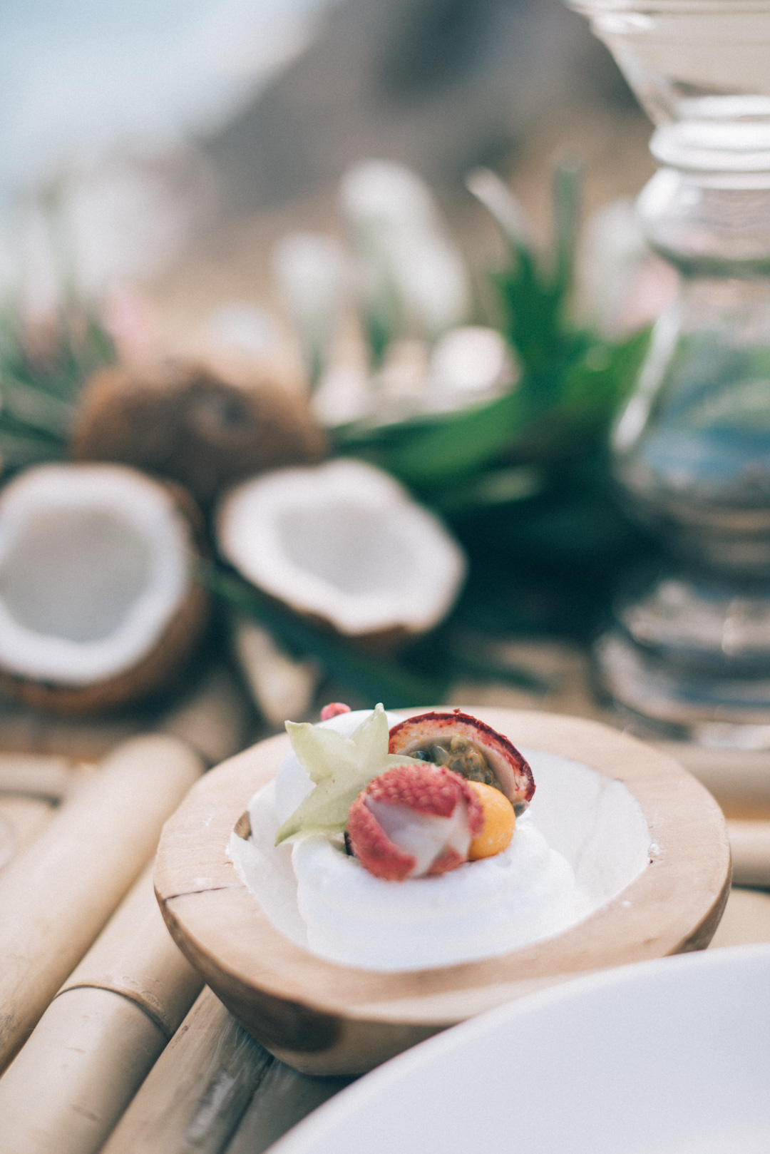 tropical-themed-bohemian-table-scape-styled-shoot