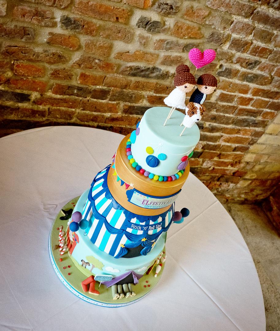 wedding-cake-elfestival-ellen-and-alex-real-festival-style-wedding