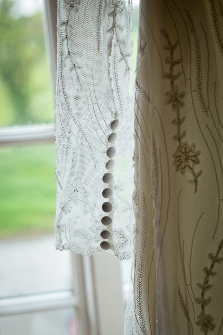 lace-wedding-dress-elfestival-ellen-and-alex-real-festival-style-wedding