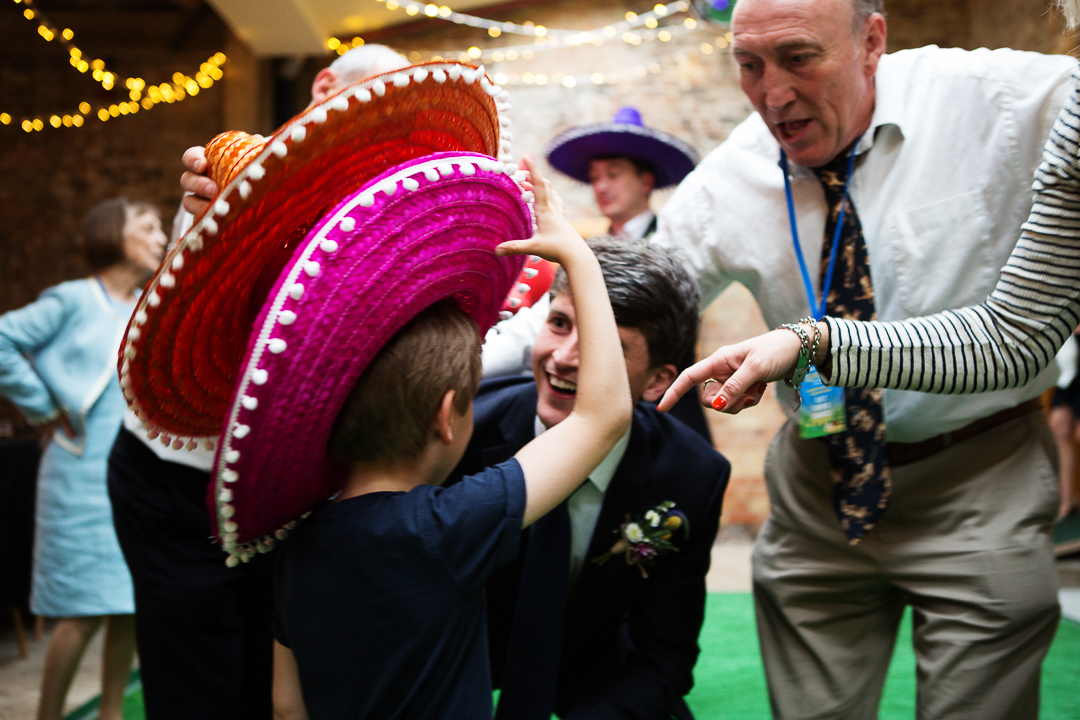 mexican-hats-elfestival-ellen-and-alex-real-festival-style-wedding