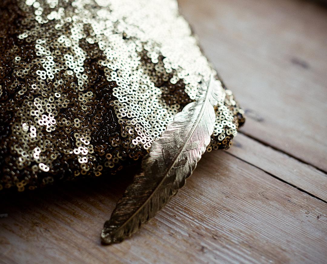 gold-bridal-accessories-elfestival-ellen-and-alex-real-festival-style-wedding