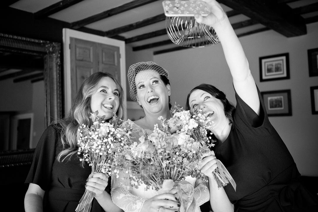 bride-getting-ready-elfestival-ellen-and-alex-real-festival-style-wedding