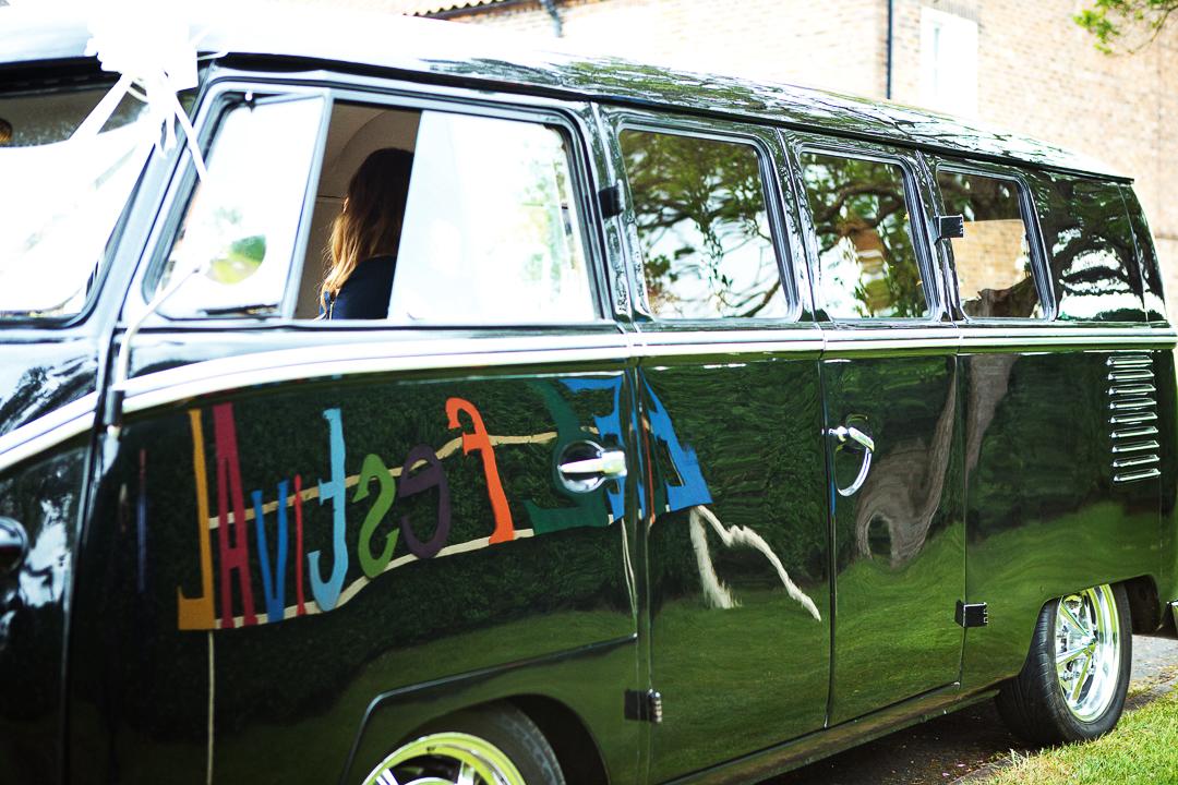 camper-van-elfestival-ellen-and-alex-real-festival-style-wedding