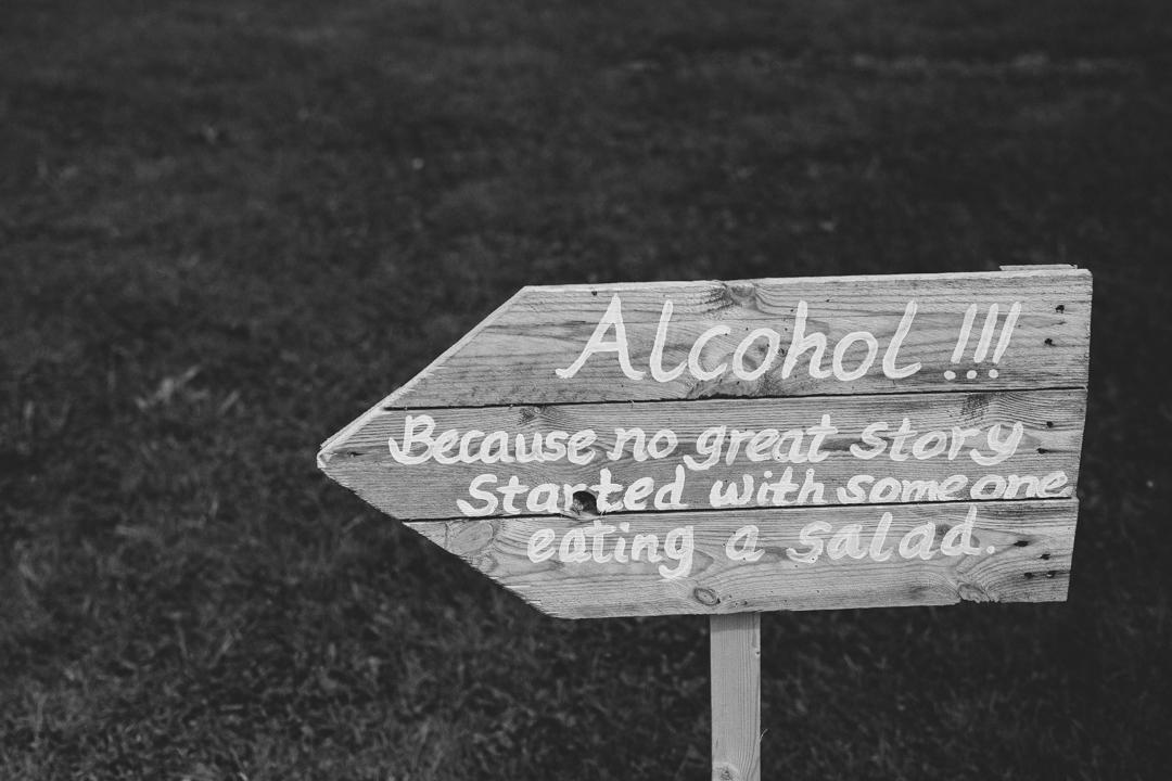 wooden-DIY-signs-jen-and-mat's-festival-wedding-at-Scraptoft farm