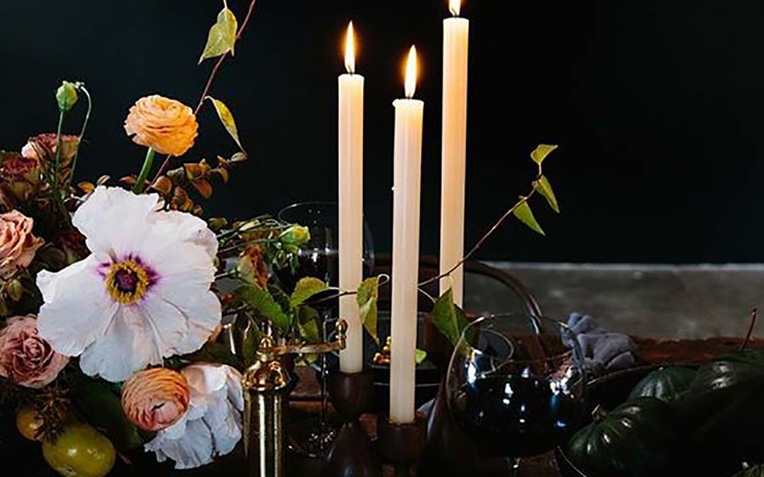 The Depths of Winter – Dark & Decadent Wedding Inspiration