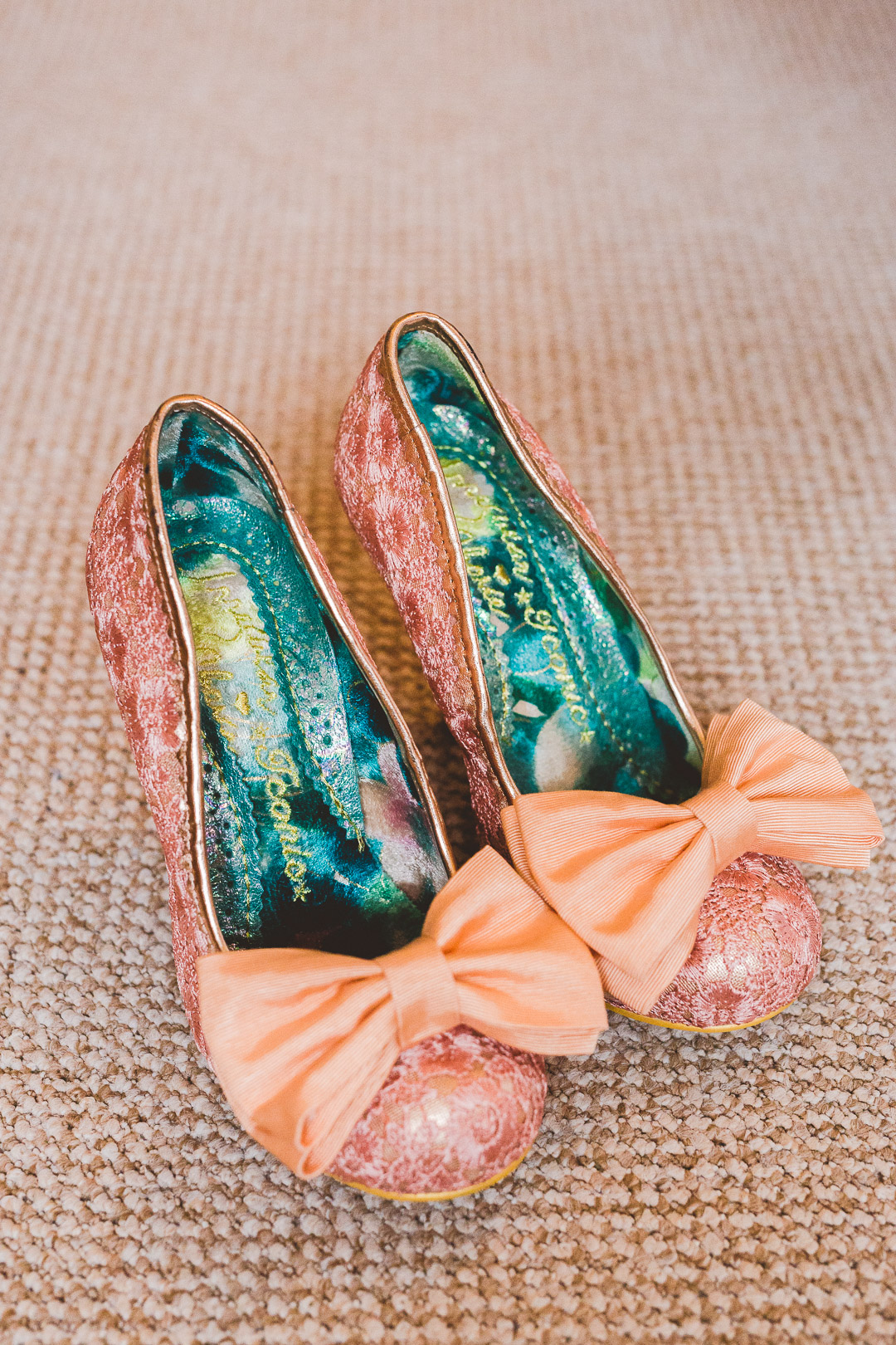 50's-style-pink-sparkly-shoes-with-bow-festival-style-wedding