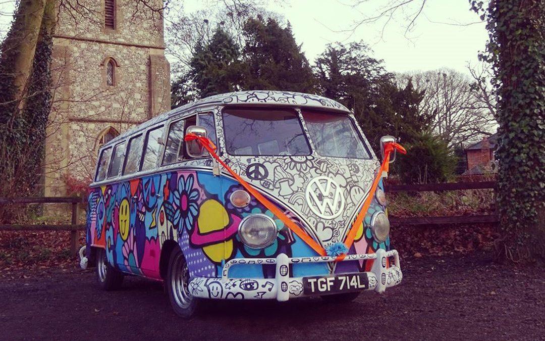 Festival Brides Love: Split Silk Wedding Cars