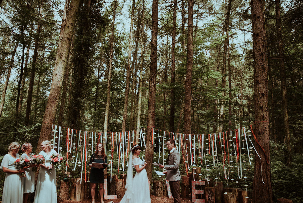 humanist-wedding-ceremony-in-woodland