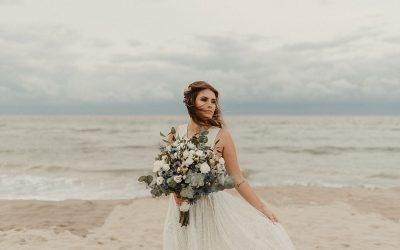 Blue Myth | A Mystical Blue & Gold Beach Bridal Shoot